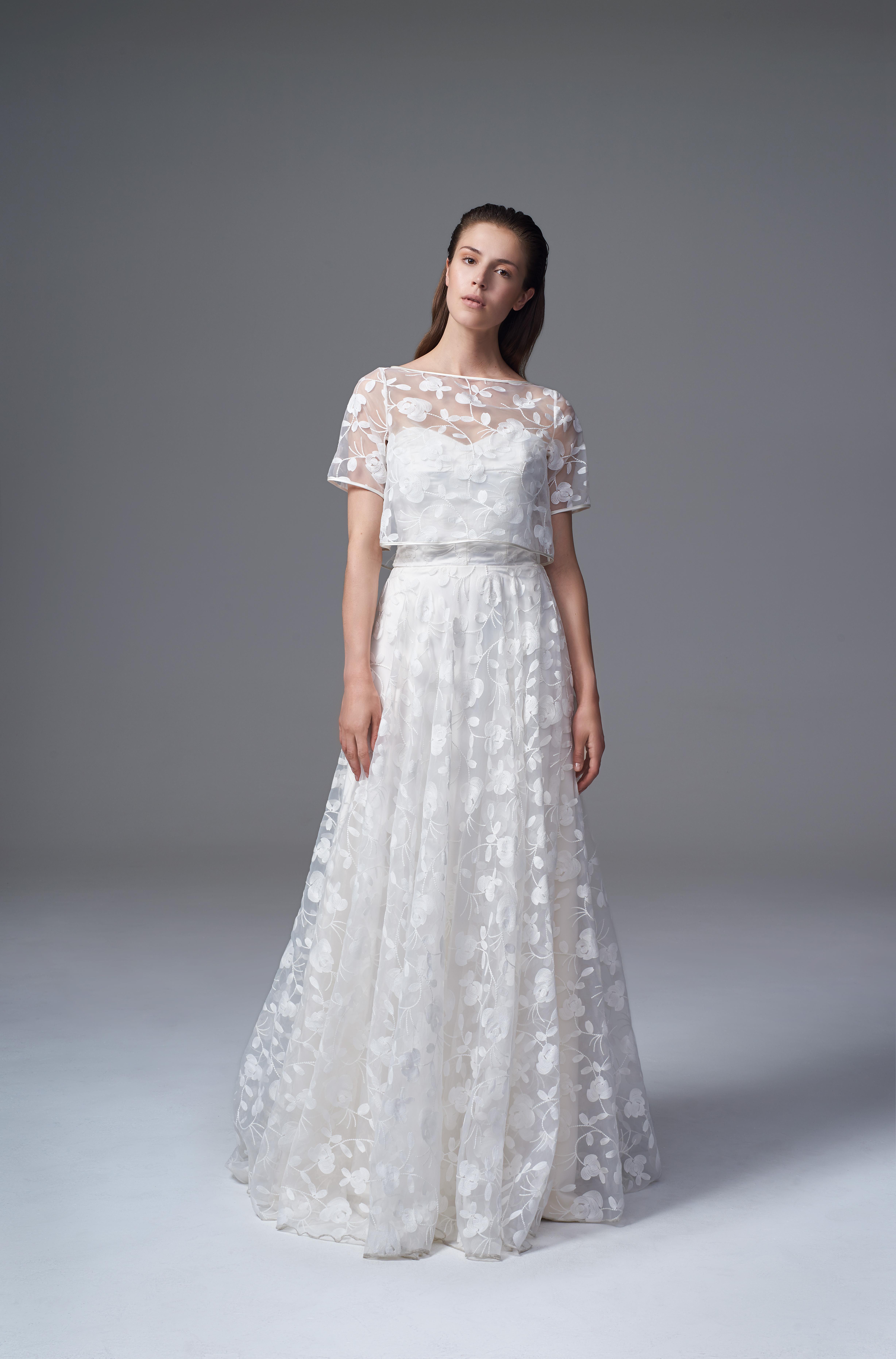 結婚式 お呼ばれ ドレス ブランド